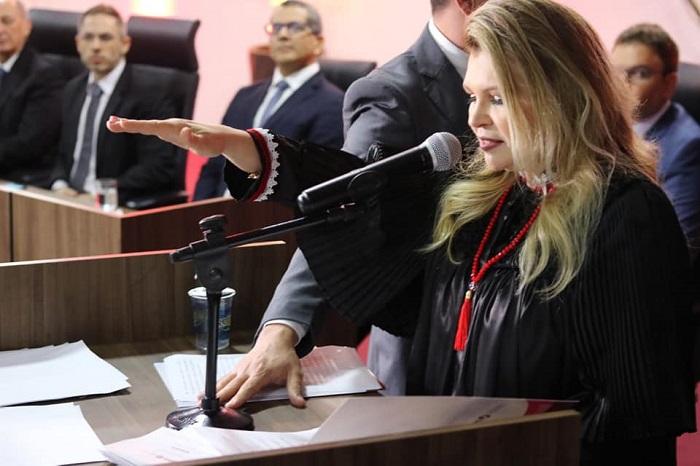 Carmelina Moura toma posse como nova procuradora-geral de Justiça