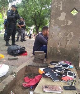 Operação apreende celulares roubados na Praça da Bandeira em Teresina