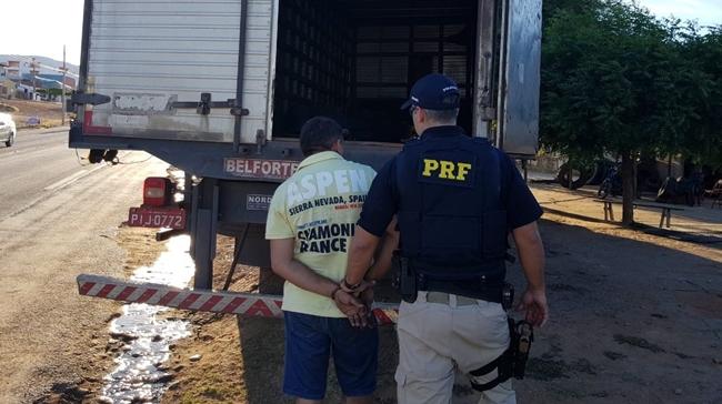 PRF-PI apreende carga de cigarros contrabandeados avaliados em quase R$ 500 mil