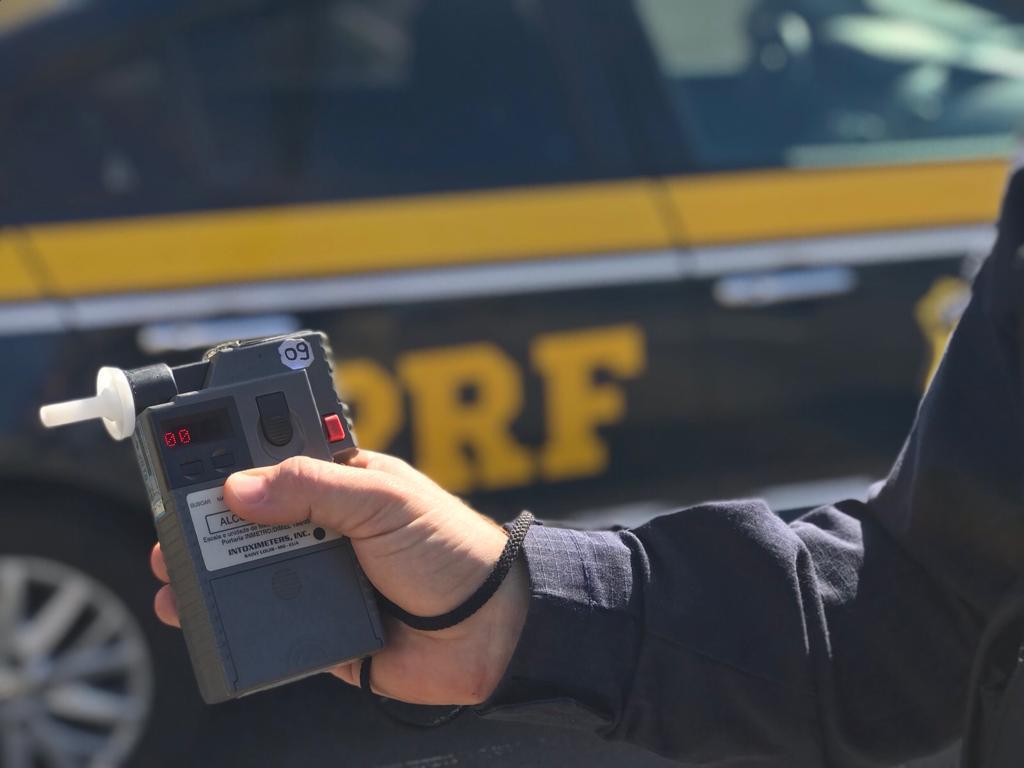 PRF prende três motoristas alcoolizados na BR-343 em Piripiri