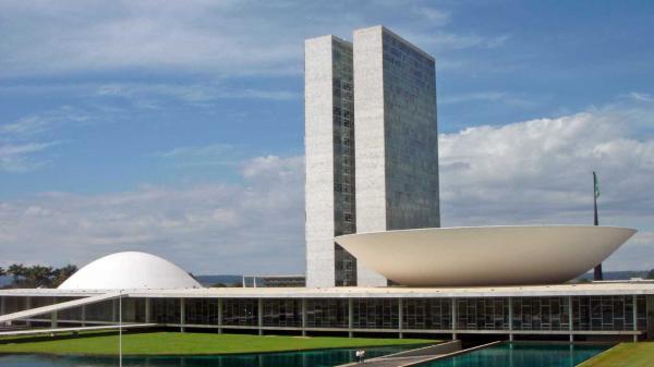 Congresso barra medidas com impacto de R$ 32 bilhões