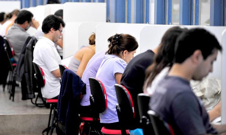Prefeitura do PI abre seleção com mais de 400 vagas e salário de até R$ 8,5 mil
