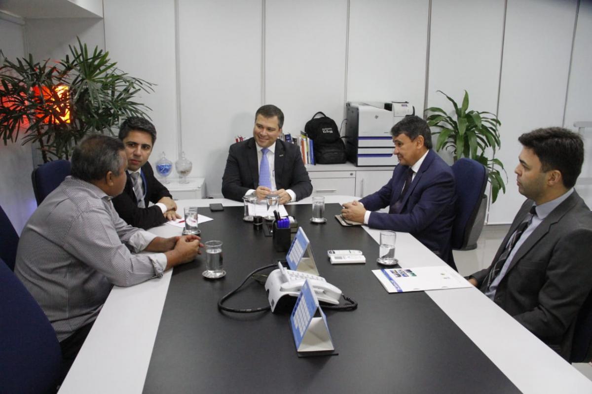 Piauí firma parceria com banco para concessão de microcrédito e crédito rural