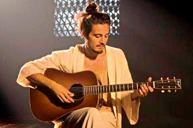 Tiago Iorc anuncia primeira turnê após passar um ano fora do cenário musical