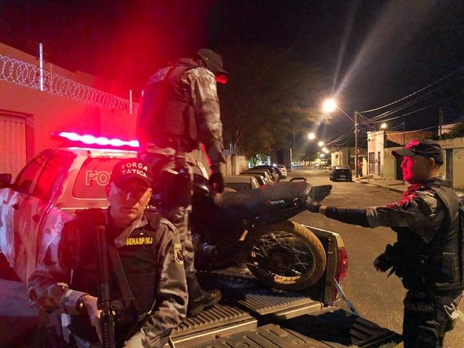 Dupla é presa por roubo de motocicleta no município de Altos