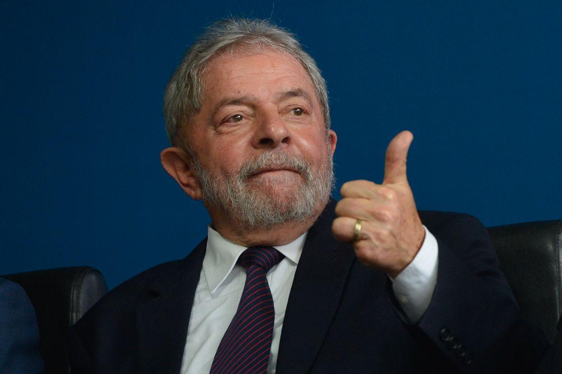 Juíza autoriza transferência de Lula do Paraná para São Paulo