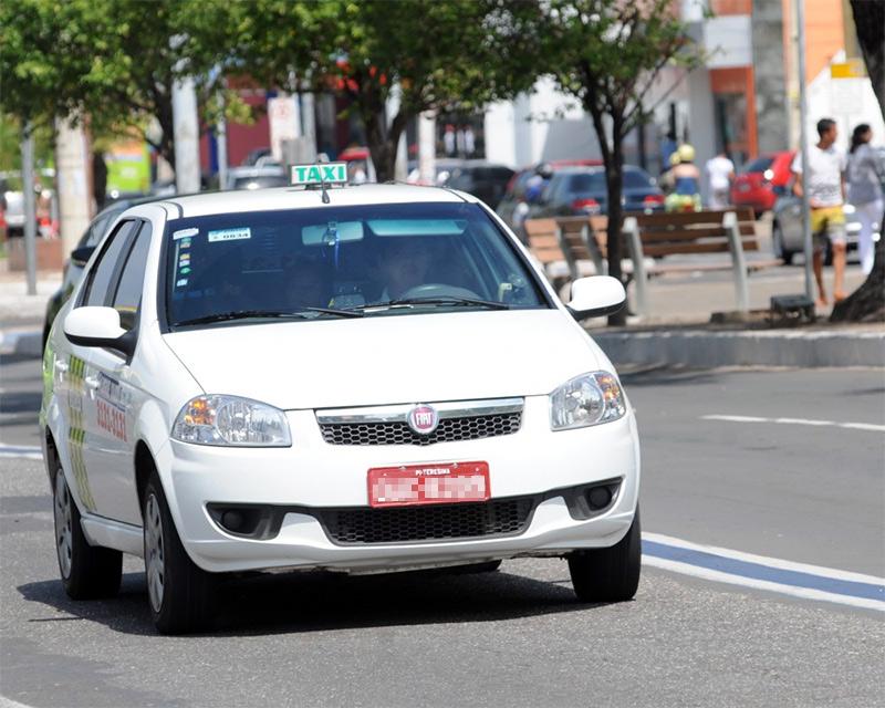 Renovação de alvarás para taxistas encerra na sexta-feira