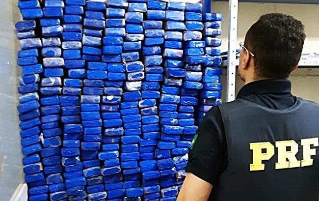 Polícia apreende meia tonelada de maconha em Picos