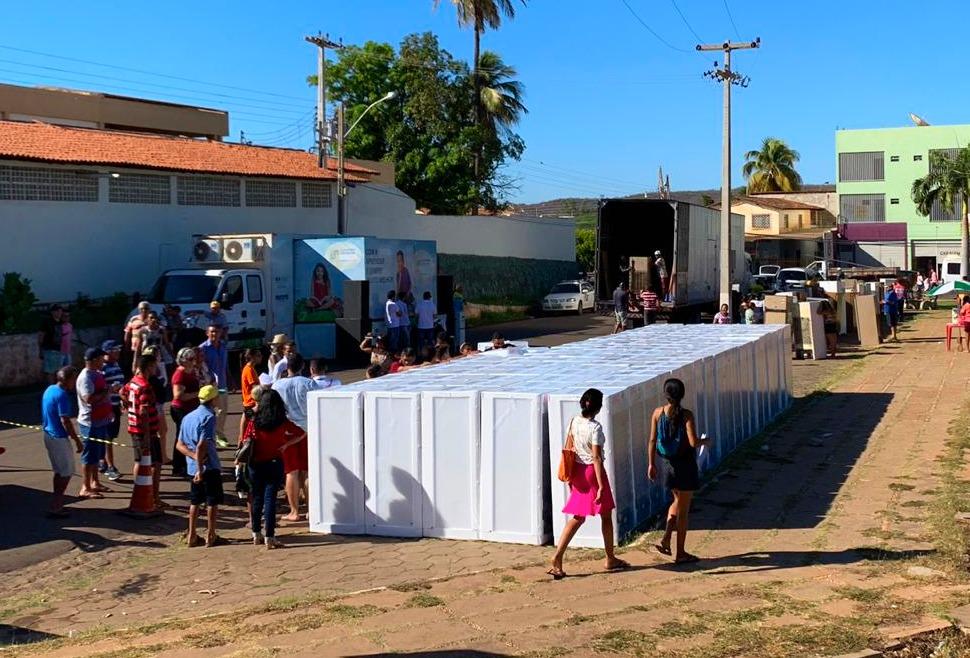 Equatorial Piauí troca geladeiras velhas de consumidores por novas