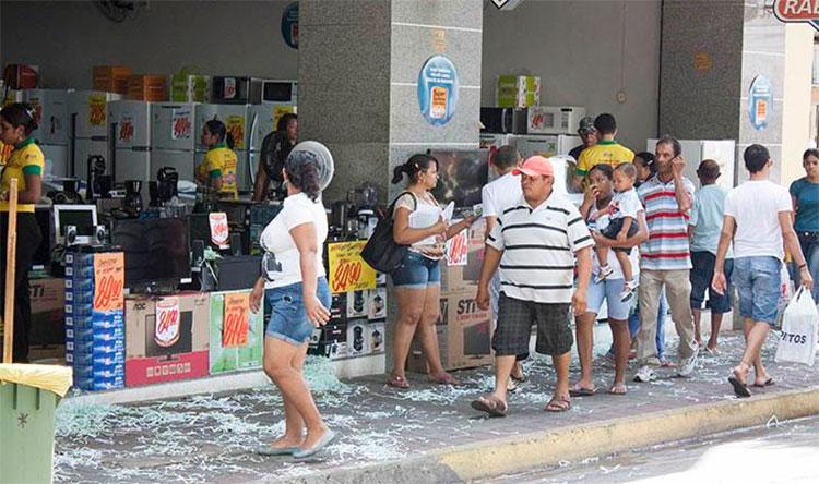 Comércio do Centro e bairros de Teresina abrirá no feriado; Confira