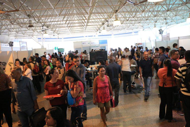 Prefeitura oferece mais de 300 vagas de emprego em Feira de Negócios em Teresina