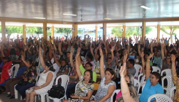 Professores deflagram greve no Piauí por tempo indeterminado