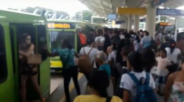 Estudantes e Strans discutem propostas de alteração do Sistema Inthegra de transporte público