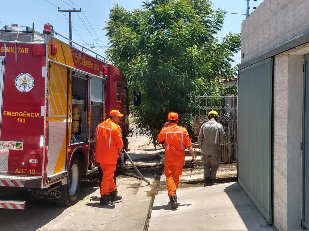 Incêndio destrói estrutura de quarto na zona sul de Teresina