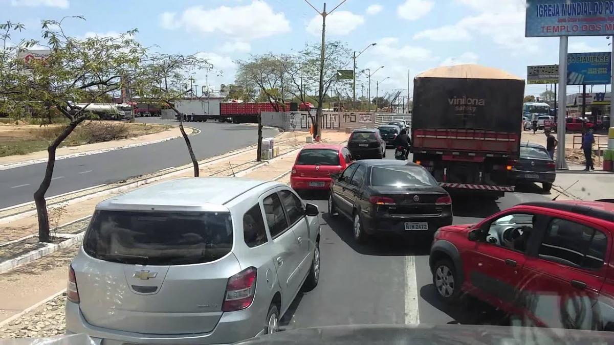 Strans sinaliza ruas no bairro Tabuleta