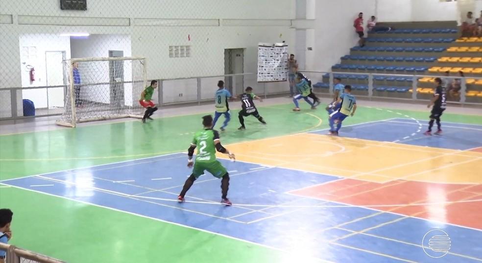 JES vence em sua estreia no Campeonato Piauiense de Futsal