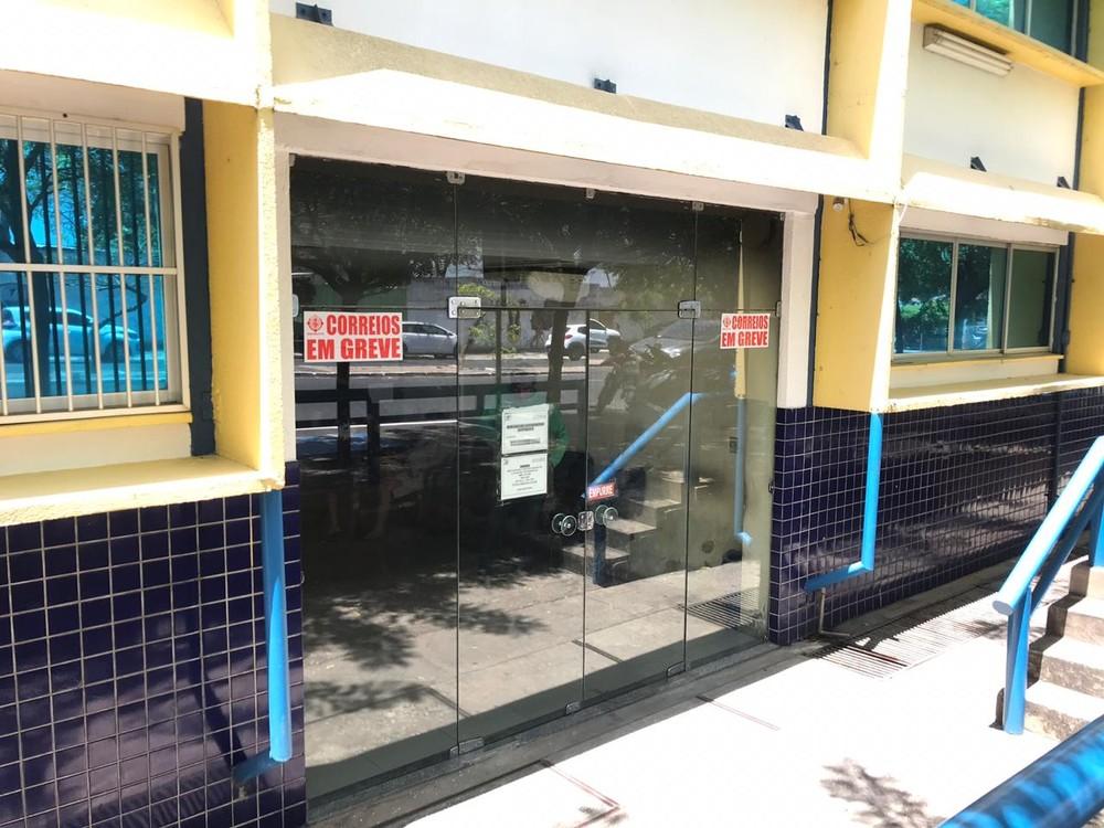 Funcionários dos correios suspendem greve e retomam o trabalho