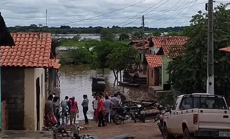 Rio Parnaíba transborda e deixa 55 famílias desabrigadas em Miguel Alves