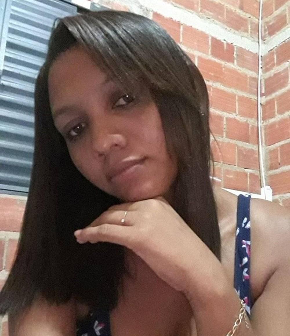 Mulher é morta a facadas na frente do filho de dois anos no município de Nazária-PI