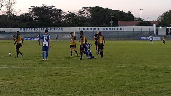 Com jogo sofrido, Timon fica no 2x2 contra o Oeirense