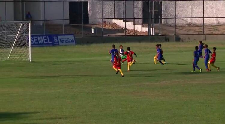 Fênix, Esplanada e River-PI vencem nos jogos desta quarta (25) da Taça Clube de Futebol sub-11