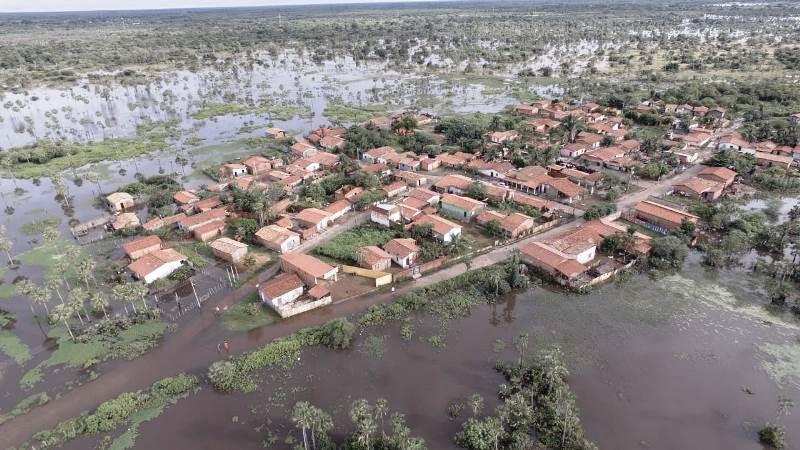 Mais de 150 famílias e 13 bairros sofrem com enchente em Campo Maior
