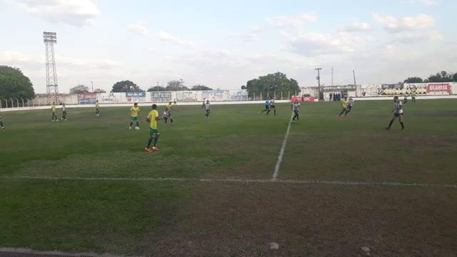 Após empate, Cori-Sabbá e Picos avançam para as semifinais da Série B do Piauiense