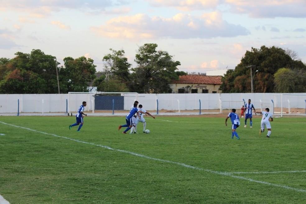 Oeirense aproveita folga na rodada e vence time sub-20 do Fluminense-PI em amistoso
