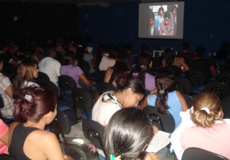 UESPI discute o cinema como ferramenta de ensino para estudantes e comunidade