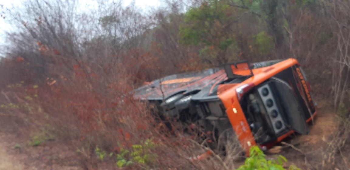 Quatro pessoas morrem em acidente na BR-135