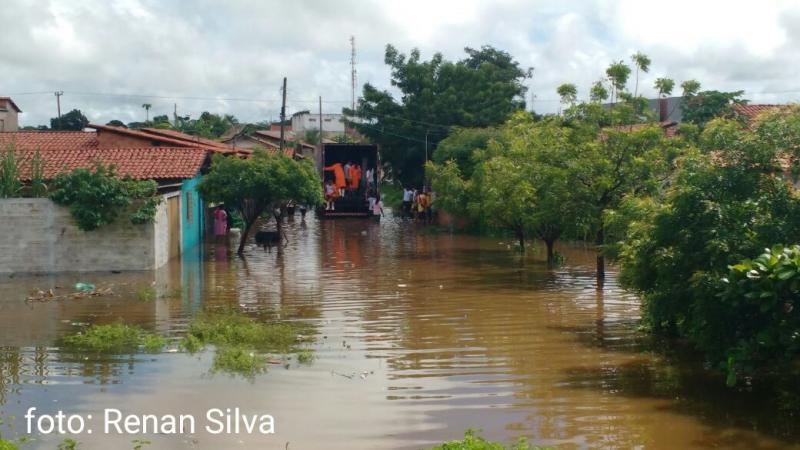 Rio Longá sobe e deixa famílias desabrigadas no Norte do Piauí