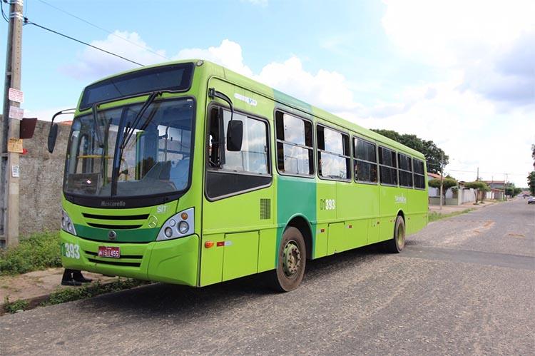 Mulher passa mal dentro de ônibus na zona Norte de Teresina