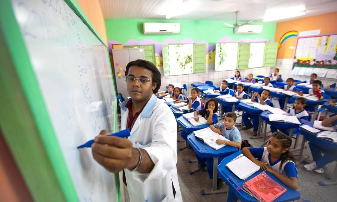 14 professores aprovados em seletivo foram convocados pela Prefeitura hoje (1º)