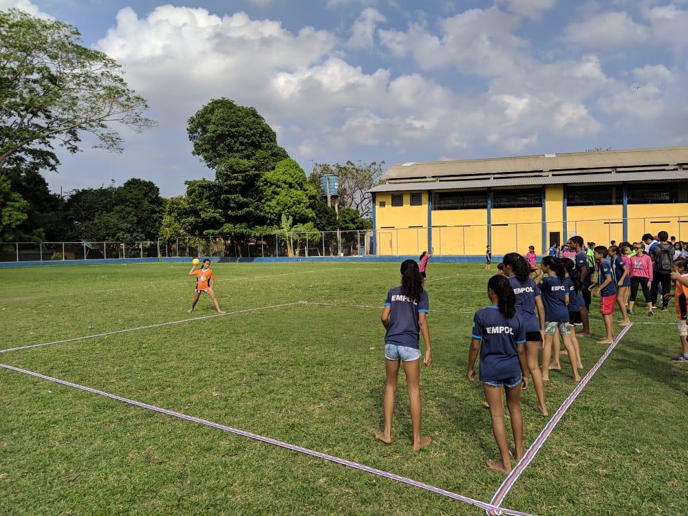 Alunos de escolas municipais participam da final de Queimada