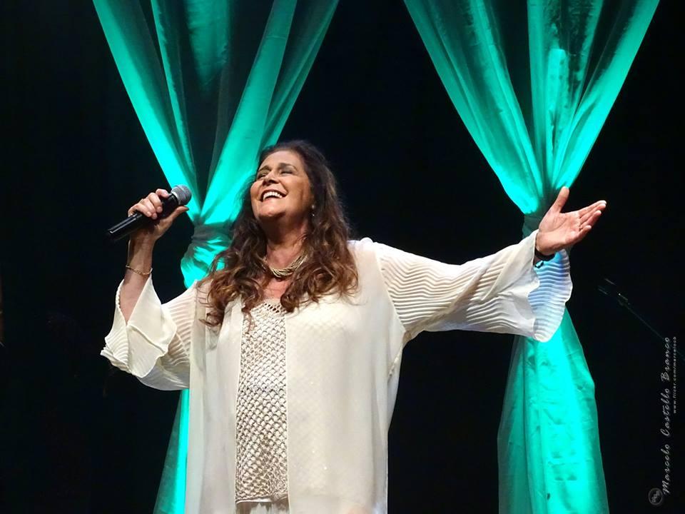 Projeto Seis e Meia de novembro traz a cantora Joanna