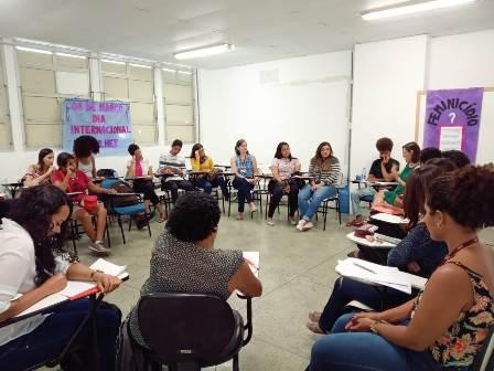 Roda de conversa sobre o enfrentamento ao feminicídio é realizada em Teresina