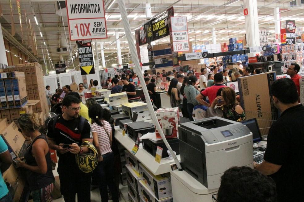 Procon Teresina alerta consumidores sobre a Black Friday