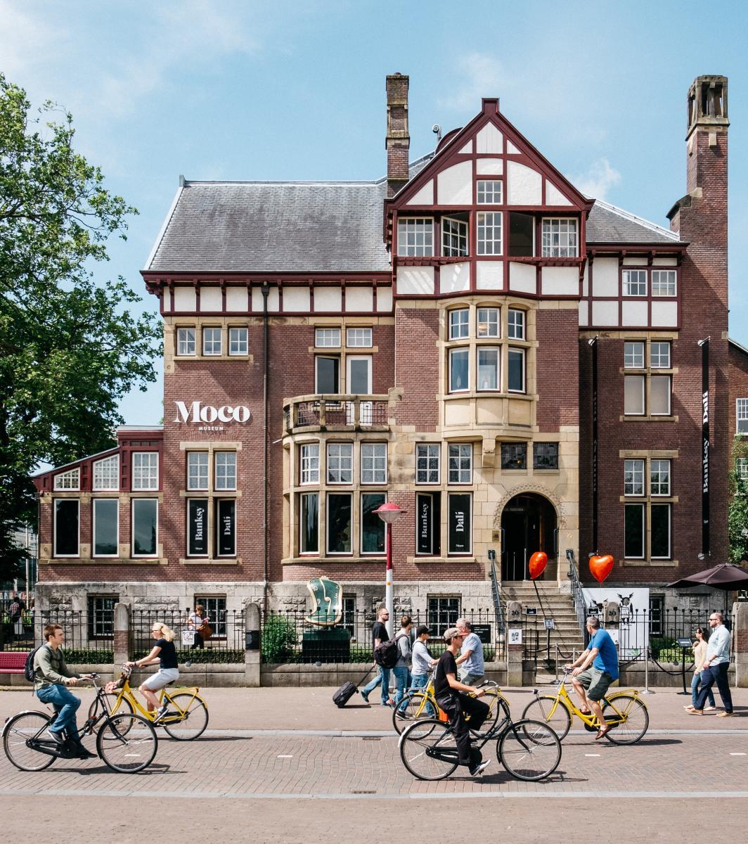 In Art We Trust: conheça o Moco Museum em Amsterdã