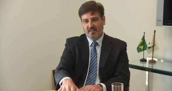 Justiça nega pedido para afastar Segovia do comando da PF