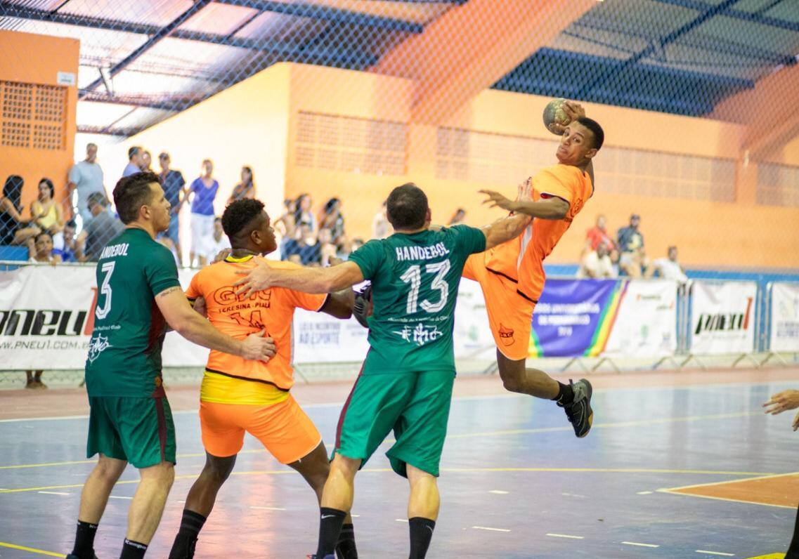GHC vence Português-PE e avança para semi da Liga Nacional de Handebol