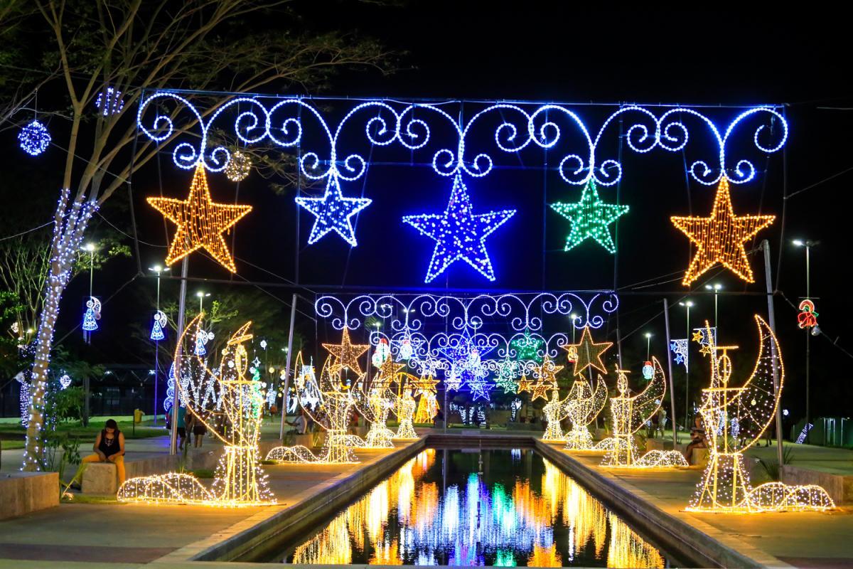 Entrega da decoração natalina nos parque públicos será realizada nesta terça (3)