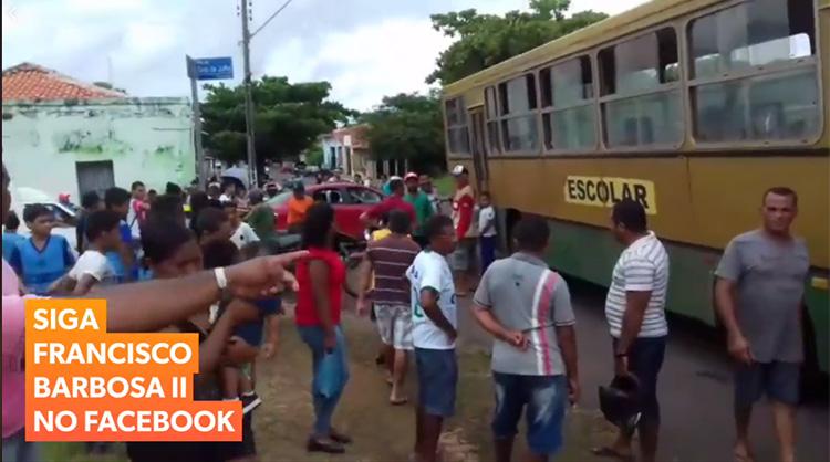 Ônibus escolar com problemas assusta estudantes em cidade do Piauí