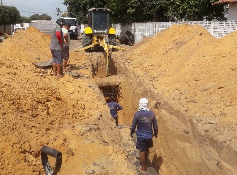 Governo inicia etapa da obra da adutora que beneficiará região do litoral do Piauí