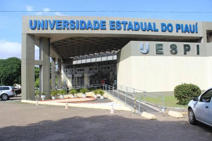 Uespi oferta mais de 300 vagas de especialização nas áreas de saúde, administração e educação