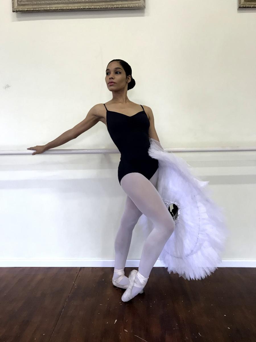 Por trás do espetáculo: A história de uma bailarina