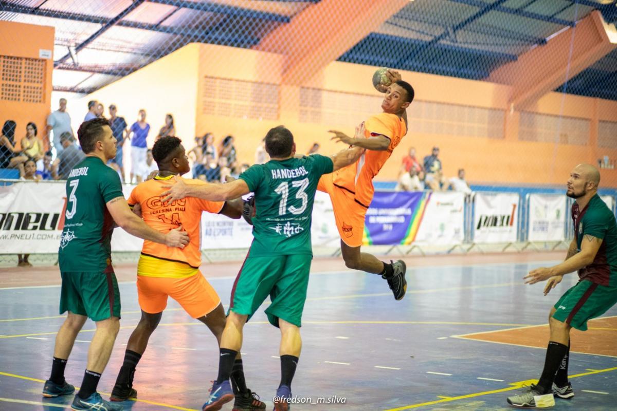 GHC perde para Pinheiros e decide 3º lugar contra Corinthians