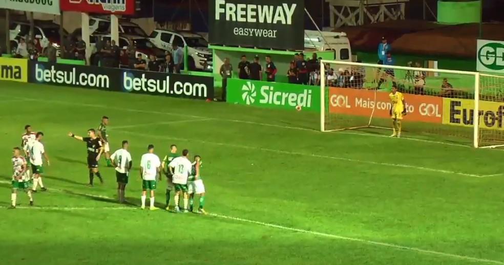Fluminense-PI leva a melhor e vence o Francana por 2x1