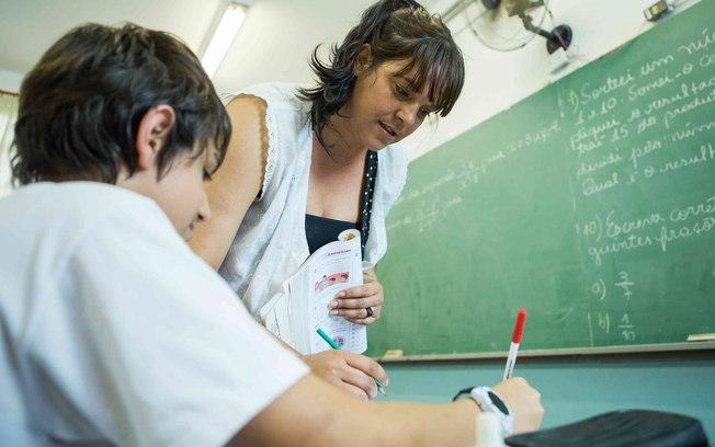 Capes anuncia mais de 60 mil bolsas para a formação de professores