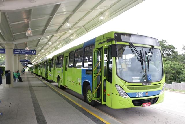 Período de férias provoca redução da frota de ônibus em Teresina