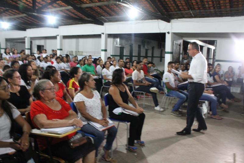 Valter Alencar fala para estudantes sobre meio ambiente sustentável